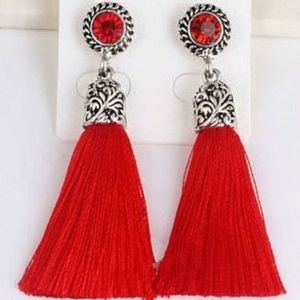 Jewelry - 🎉HP   🎁 Red Tassel Earrings